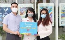 Hai trường học từ Hà Nội, Hưng Yên góp 220 triệu đồng 'Cùng Tuổi Trẻ chống dịch COVID-19' .