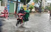 Áp thấp nhiệt đới liên tục đổi hướng, mưa dông diện rộng ở Bắc Bộ