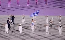 Lễ khai mạc Olympic 2020: Bắt đầu diễu hành, đoàn Hy Lạp xuất hiện đầu tiên