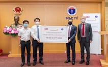 AstraZeneca Việt Nam tặng thuốc trị giá 62,6 tỉ đồng cho Bộ Y tế