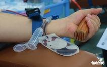HỎI - ĐÁP về dịch COVID-19: Người hiến máu đi qua các chốt chặn ra sao?