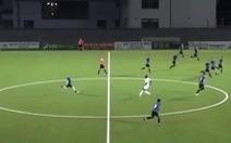 Vừa giao bóng, cầu thủ ghi bàn từ sân nhà 'không tưởng' ở ngay phút cuối