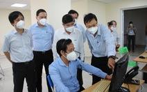 Chủ tịch UBND TP.HCM Nguyễn Thành Phong kiểm tra tại Trung tâm cấp cứu 115