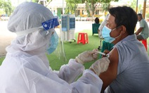Bộ Y tế đề nghị TP.HCM đẩy nhanh tốc độ tiêm vắc xin, lập thêm 3 Trung tâm Hồi sức tích cực