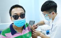 Hàng trăm người lao động khuyết tật vui vì được tiêm vắc xin phòng COVID-19