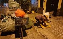 Người nghèo kiệt sức vì dịch: Chờ được tiếp sức