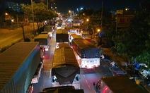 Hàng ngàn xe tải, ba gác... đổ về chợ đầu mối Thủ Đức trước 'giờ G'