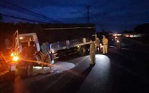 Tông đuôi xe tải đậu ven đường, 1 người chết, 1 người bị thương