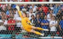 Video: Cú đá phạt thành bàn đầu tiên tại Euro 2020