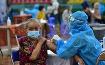 TP.HCM: Việc tiêm vắc xin COVID-19 cho 70% dân phụ thuộc lượng phân bổ của Bộ Y tế