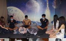 13 nam nữ thuê phòng khách sạn 'bay lắc' giữa mùa COVID-19