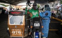 Một y tá Philippines phải chăm sóc 12 bệnh nhân COVID-19