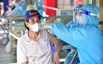 'Tôi chọn ở lại TP.HCM để được tiêm vắc xin sớm'