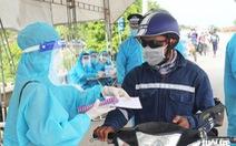 Nghệ An cấp tốc mở lều dã chiến xét nghiệm nhanh cho người dân về quê bằng xe máy