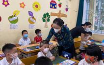 Bài học đầu tiên của học sinh lớp 1 ngày tựu trường: Phòng chống dịch COVID-19