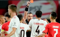 PSV Eindhoven chia tay Champions League