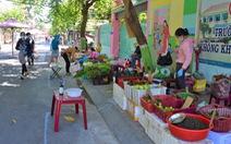 'Đưa chợ ra phố' ở Nha Trang: An toàn, người mua người bán đều thích