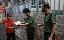 Tiếp sức 'xóm chạy thận', xóm ngụ cư chân cầu Long Biên ở Hà Nội