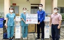 Tặng 80 máy lọc nước cho các bệnh viện điều trị COVID tại Củ Chi và Hóc Môn
