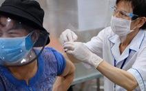 TP.HCM thêm 980.000 liều vắc xin ngừa COVID-19, Hà Nội thêm 700.000 liều