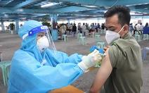 HỎI - ĐÁP về dịch COVID-19: TP.HCM tiêm vắc xin cho người dân đến cuối năm ra sao?