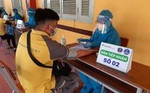 Cần Thơ tiêm vắc xin cho hàng trăm nhân viên bán hàng, giao hàng