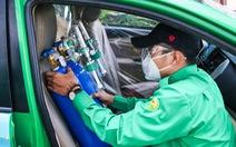 Biệt đội xe cấp cứu: Doanh nghiệp hỗ trợ miễn phí hàng trăm phương tiện, cử tài xế đi cùng