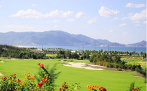 Đang dịch, giám đốc Sở, cục phó Cục Thuế tỉnh vẫn đi đánh golf và tiếp xúc với F0