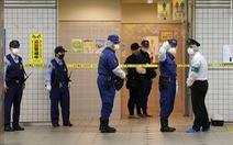10 khách đi tàu bị đâm dao vô cớ ở Tokyo, nghi phạm đã bị bắt