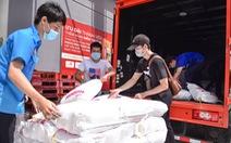 3.000 giỏ quà nghĩa tình lên đường đến với người khó khăn