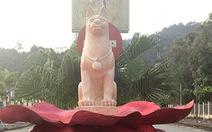 Các tượng linh vật 'cha chó' tại huyện miền núi Tây Giang đã bị dỡ bỏ trong đêm