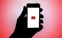Vì sao bà mẹ tự xóa tài khoản YouTube hơn 500.000 người theo dõi sau khi bị chỉ trích?