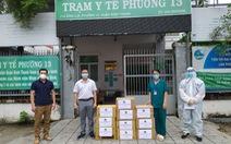 Tặng hàng ngàn túi thuốc điều trị cho COVID-19