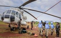Bác sĩ 'mũ nồi xanh' diễn tập vận chuyển cấp cứu bằng đường không ở Nam Sudan