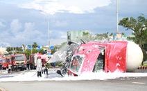Đà Nẵng: Xe bồn chở 20 tấn gas bị lật, 6 xe cứu hỏa đến cứu