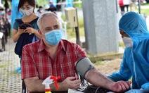 Sở Y tế TP.HCM đề nghị khẩn trương tiêm vắc xin cho người nước ngoài