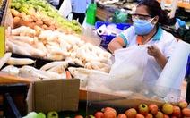 Mua từ nông dân giá rẻ, vì sao thực phẩm bán lẻ về thành phố giá cao?