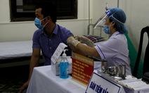 Thiếu... giấy xuất xưởng, 200.000 liều vắc xin phòng COVID-19 chưa thể tiêm cho dân