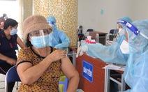 TP.HCM đề nghị các nơi khẩn trương báo cáo người trên 50 tuổi đã tiêm vắc xin