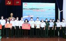 TP.HCM tiếp nhận 25 tỉ đồng và 135 tấn gạo từ Hải quân và Tổng công ty Tân Cảng Sài Gòn