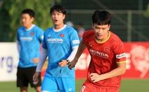 Nhà vô địch Thai League muốn mượn tiền vệ Hoàng Đức một năm