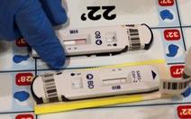 Singapore kêu gọi dân thường xuyên tự xét nghiệm COVID-19