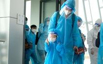 Đưa gần 500 thai phụ và người thân về Lâm Đồng bằng máy bay