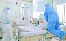 Rơi nước mắt khi xem y bác sĩ cứu thai phụ mắc COVID-19 trong 'Ranh giới'