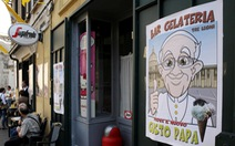 Giáo hoàng Francis mua 15.000 que kem giúp tù nhân Ý vượt qua mùa hè đổ lửa