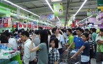 Hà Nội: Đổ xô vào siêu thị mua sắm