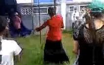 Cư dân mạng phản đối clip múa cột
