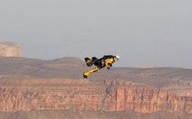 """""""Người bay"""" trên Grand Canyon"""