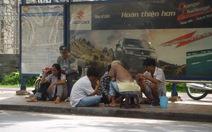 Chiếm trạm xe buýt làm sòng bài