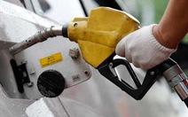 IEA mở kho dự trữ dầu, giá dầu giảm